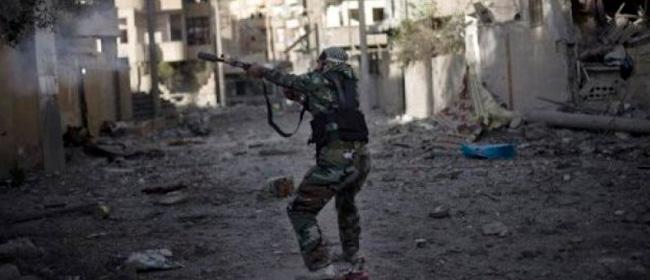 Tripoli, i miliziani filo-islamici conquistano l'aeroporto. Rimosso il ministro della Difesa: ha fornito armi ai ribelli