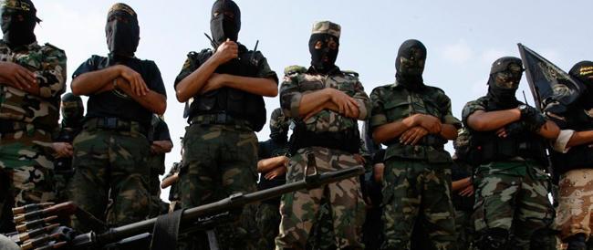 Governo nella bufera: deve chiarire se abbiamo addestrato miliziani jihadisti