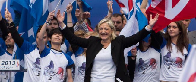 """Brigitte Bardot """"benedice"""" Marine Le Pen: «È la nuova Giovanna d'Arco, spero che salvi la Francia»"""