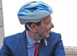 """Aggredito da due romeni mentre era in bici: alla """"Roma di Marino"""" non crede più nessuno"""