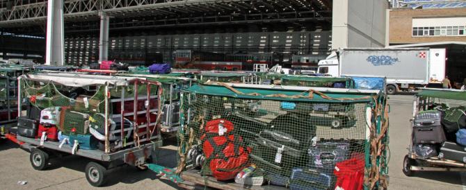Alitalia: nel giorno dell'accordo con Etihad tornano al lavoro gli addetti ai bagagli di Fiumicino