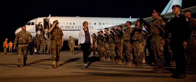 Il ministro Pinotti vuol giocare con i droni: «Li useremo contro gli scafisti»