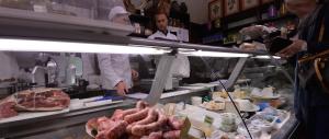La crisi colpisce le botteghe ma svuota anche i supermercati. A picco i consumi di alimenti