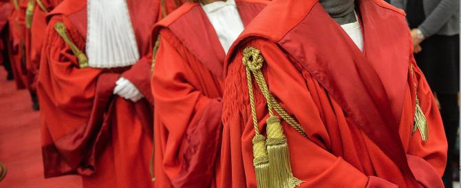 Renzi tocca il santuario della giustizia, le toghe non gradiscono. Arriverà il trattamento-Berlusconi?