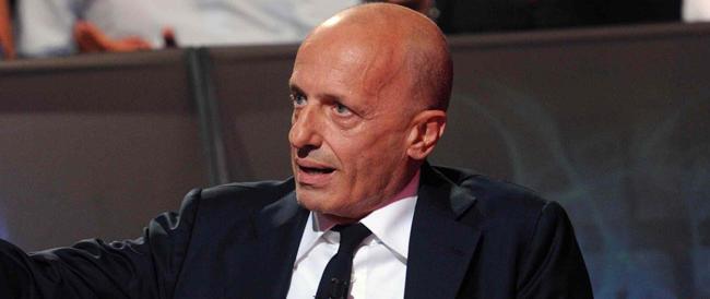 Sallusti via dal Giornale? Non solo gossip estivo: il direttore sarebbe troppo aggressivo verso Renzi