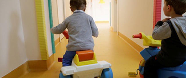 Accusate di violenze sui bambini all'asilo: tre maestre già ai domiciliari