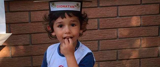"""Travolse e uccise un bimbo di tre anni, poi fuggì: scarcerato dopo due mesi un """"pirata"""" della strada bulgaro"""