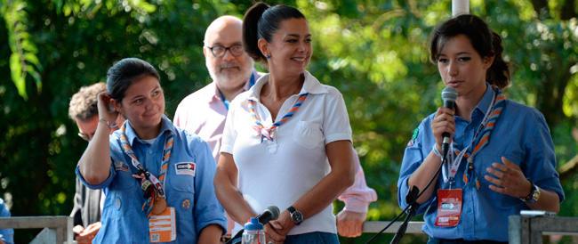 La Boldrini in versione scout: «Amate il diverso da voi». Come lei, regina dell'ideologismo di sinistra