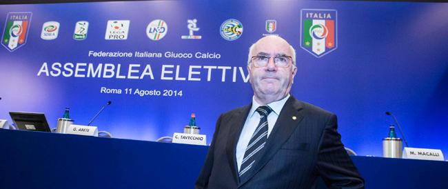 Tavecchio eletto al terzo scrutinio. Carraro: «Ora combattiamo il razzismo sul serio»