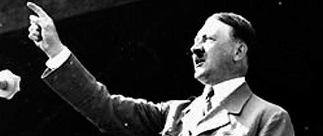 "Hitler tra i ""modelli"" dell'Ukip? Bufera in Gran Bretagna sull'eurodeputato Etheridge"
