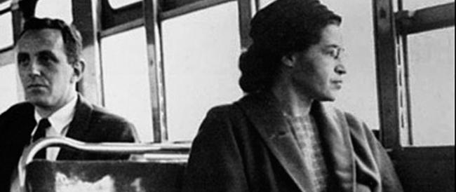 Il miliardario Buffett acquista i cimeli dell'icona anti-apartheid Rosa Parks: vanno tramandati