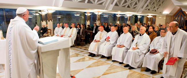"""Così papa Francesco, tappa dopo tappa, ha dichiarato guerra alla pedofilia che infesta la """"vigna"""" del Signore"""