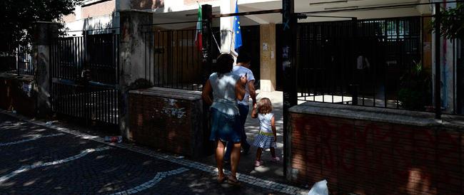 Napoli, violenze sui bimbi dell'asilo: in manette tre maestre riprese da telecamere nascoste