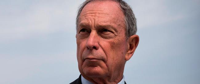 Media: Bloomberg ci ripensa e torna alla guida del suo impero