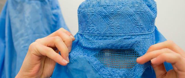 Anche in Spagna sarà vietato il burqa. Solo in Italia non si ha il coraggio (e la voglia) di intervenire
