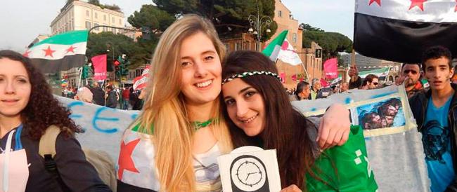 Una fonte siriana riaccende le speranze: «Greta e Vanessa non sono nelle mani dell'Isis»