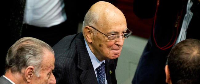 Napolitano: «Non bisogna sbraitare contro la Ue, ma fare uno sforzo comune»