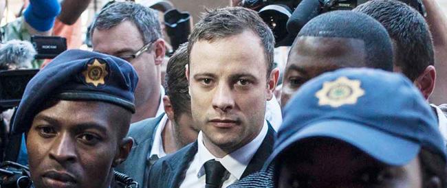 """Pistorius salvato in corner dai giudici. Arriva la condanna ma solo per """"omicidio colposo"""""""