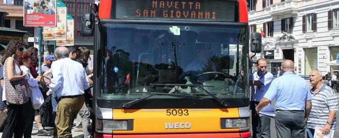 """La beffa della """"spending review"""" renziana: per tagliare gli sprechi si aumentano i biglietti dei bus"""