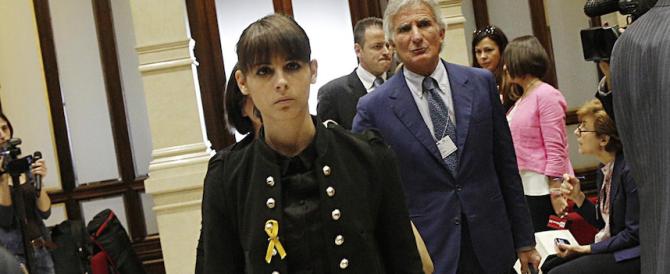 """Tanta solidarietà ai marò ma è """"giallo"""" su un appello lanciato da un falso profilo di Giulia Latorre"""