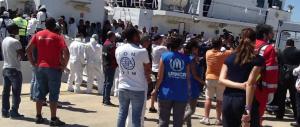 Nuova tragedia nel Mediterraneo, barcone affonda al largo di Malta: tre morti e decine di dispersi
