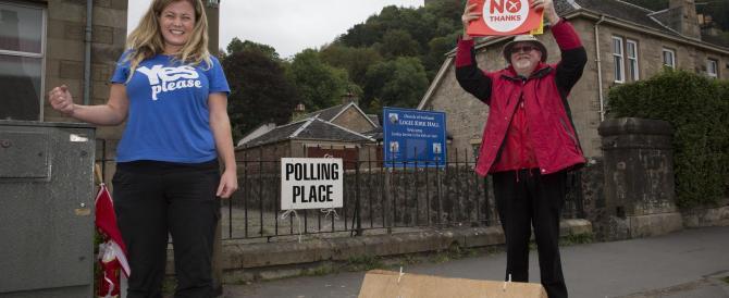 La Scozia dice no all'indipendenza e la sterlina vola