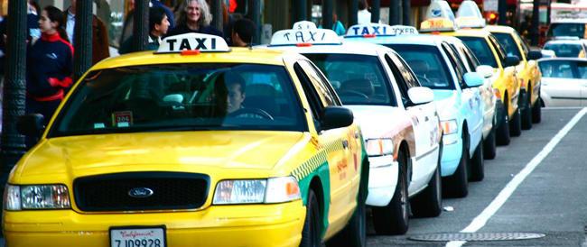 """A San Diego i tassisti sotto esame: troppi cattivi odori, per essere in regola devono """"profumare"""""""