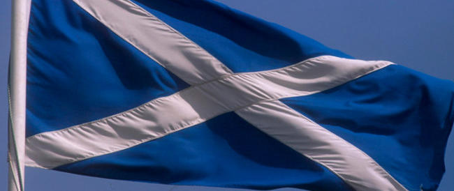 La Scozia propende per la secessione. E allora arriva Elisabetta II