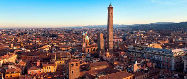 Bologna: Forza Italia in piazza contro il sindaco che vuole trascrivere le nozze gay