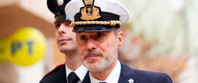 """Esplode il caso De Falco: trasferito perché """"disertò"""" le celebrazioni pubbliche?"""