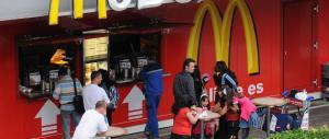 """Big mac"" in crisi? Mussolini: a me piace ed è meglio del sushi"