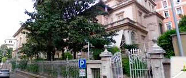 «Scappate, ci sono i fascisti»: il bullismo in un liceo romano fatto passare per violenza politica