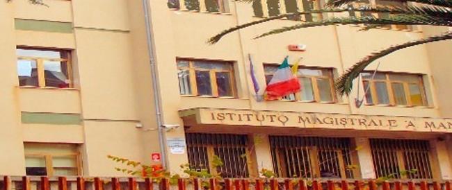 Scuola: il governo taglia e in Sicilia ci sono 42 alunni ammassati in una sola classe del liceo