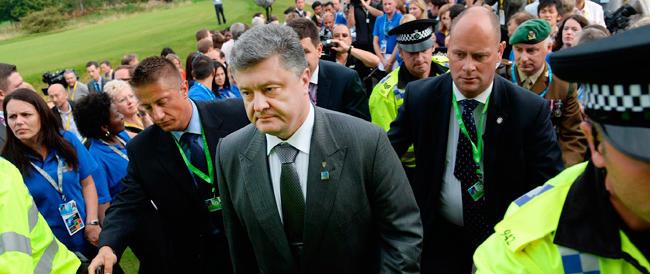 Nuova crisi in Ucraina: Poroshenko chiede di azzerare il governo