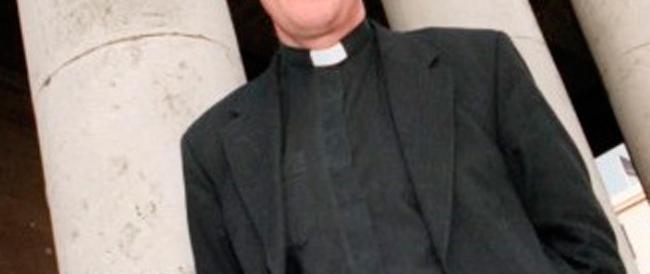 «Ho pochi soldi»: prete picchiato, rapinato e legato da malviventi dell'Est