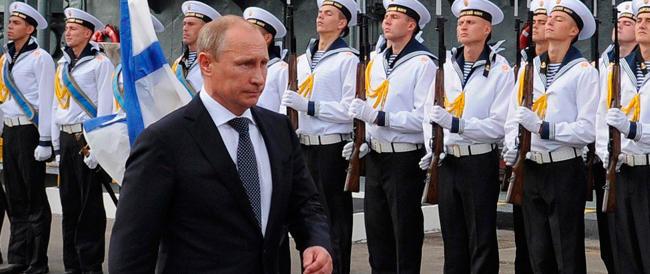 """Putin superstar: secondo i russi è lui la più alta """"autorità morale"""" della nazione"""