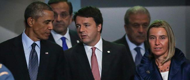 """""""Oggi le comiche"""" nel salotto-tv di Vespa: Renzi accolto con i tortellini per parlare di gufi"""