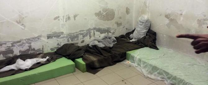 Bari, nuova rivolta nel Cie: i clandestini bruciano i materassi
