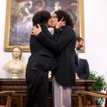 """Unioni gay: la sceneggiata continua. E spunta anche l'idea di finanziare gli """"sposi"""""""