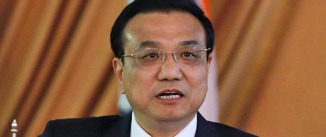Il premier cinese in Italia accolto in pompa magna. Rampelli: «Non è un ospite gradito»