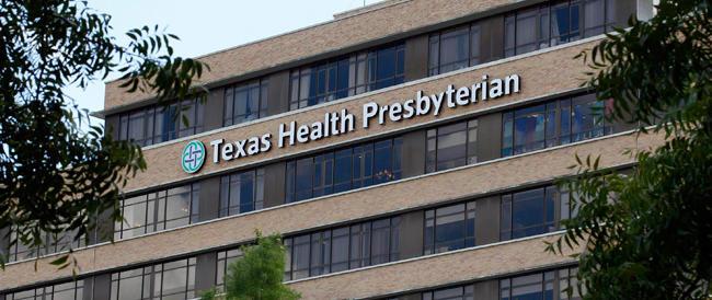 Ebola, nuovo caso in Texas: contagiato un aiuto-infermiere. Caos e panico in ospedale