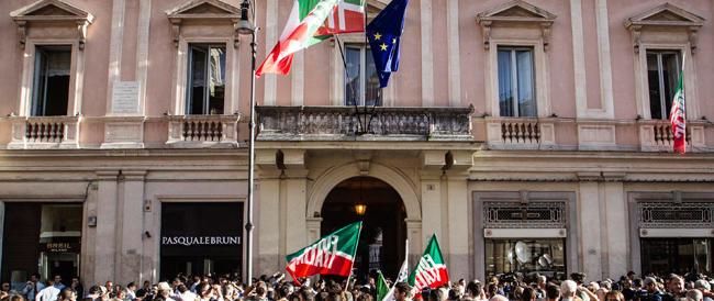 Forza Italia: «Sia chiaro, non consegneremo la nostra storia al renzismo né ci piegheremo»