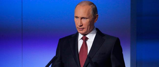 Putin sferza l'Occidente («basta incomprensioni») e dà un calcio a chi lo critica