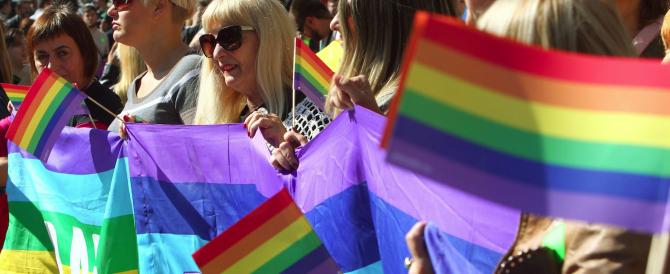 Nozze gay, Alemanno sta con Alfano: «La legge parla chiaro, se Marino crea il registro faremo ricorso»