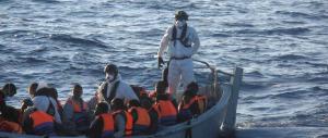 """Anche le forze dell'ordine contro """"Mare nostrum"""": è un servizio taxi per i clandestini"""