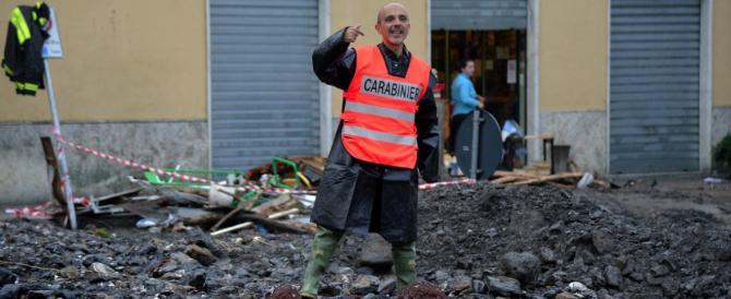 Genova, una volontaria in rianimazione. E Gabrielli accusa: sbagliate le previsioni meteo