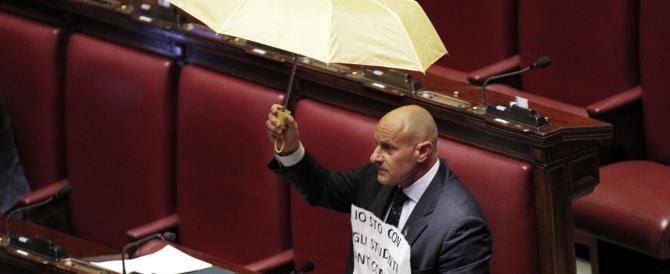 """Consulta, ventesimo flop. Rampelli """"vota"""" per il ribelle anti-comunista di Hong Kong"""