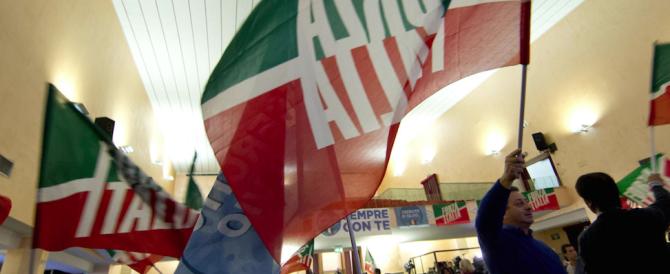 """Forza Italia apre la stagione dei congressi con i """"portabandiera"""". Lettera di Berlusconi ai coordinatori"""