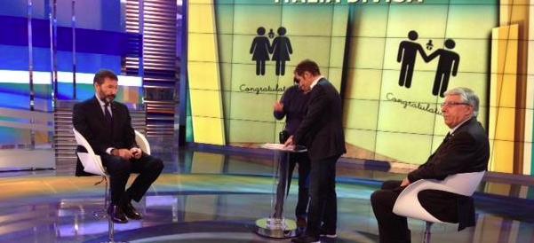 Diritti gay, battibecco in tv tra Marino e Giovanardi