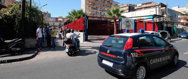 Ragazzo seviziato: la moglie dell'aggressore aggredita all'ingresso del carcere di Poggioreale